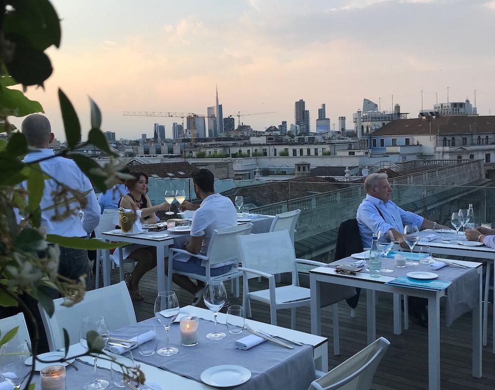 Rooftop E Terrazze Per Aperitivo A Milano